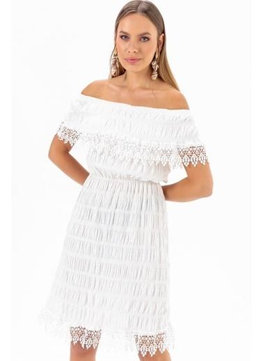 Emjey Yaka Etek Güpürlü Elbise Beyaz